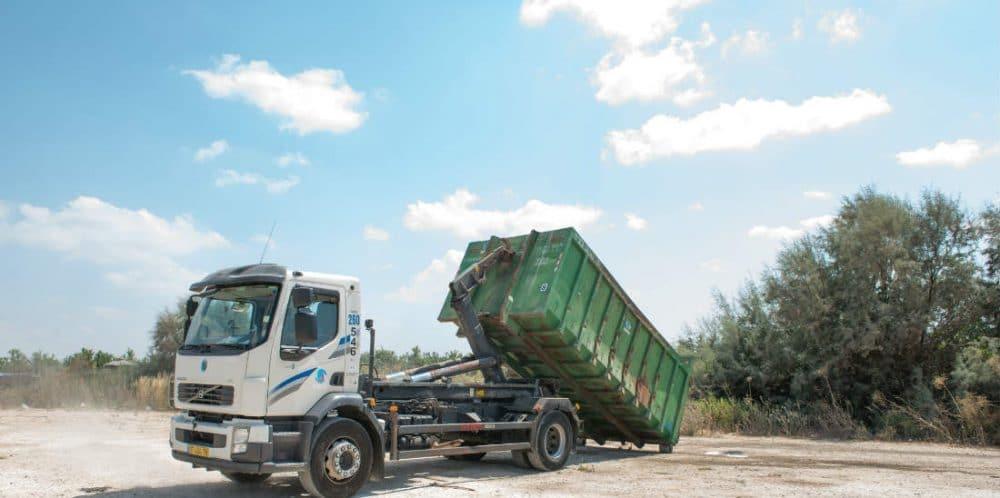 איסוף פסולת תעשייתית